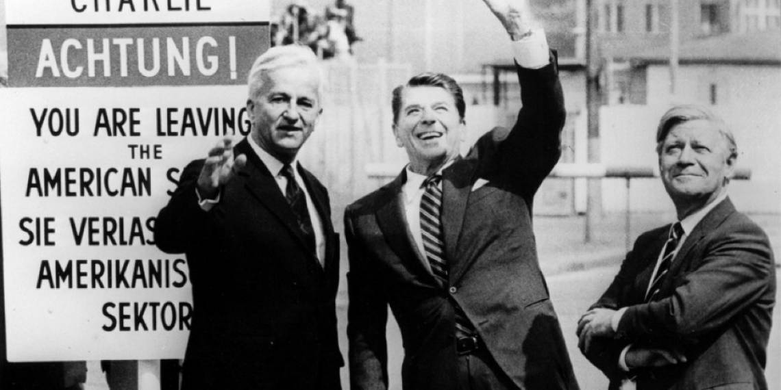Richard von Weizsaecker, con Ronald Reagan e il cancelliere Helmut Schmidt
